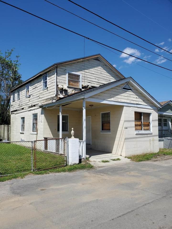 2028 Arbutus Ave Avenue - Photo 1
