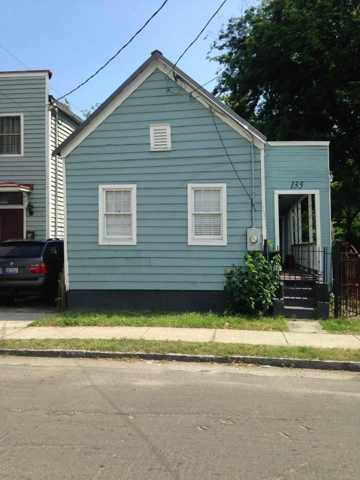 135 Bogard Street - Photo 1