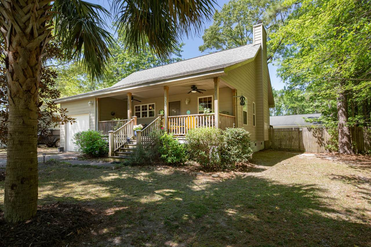 305 General Moultrie Drive - Photo 1