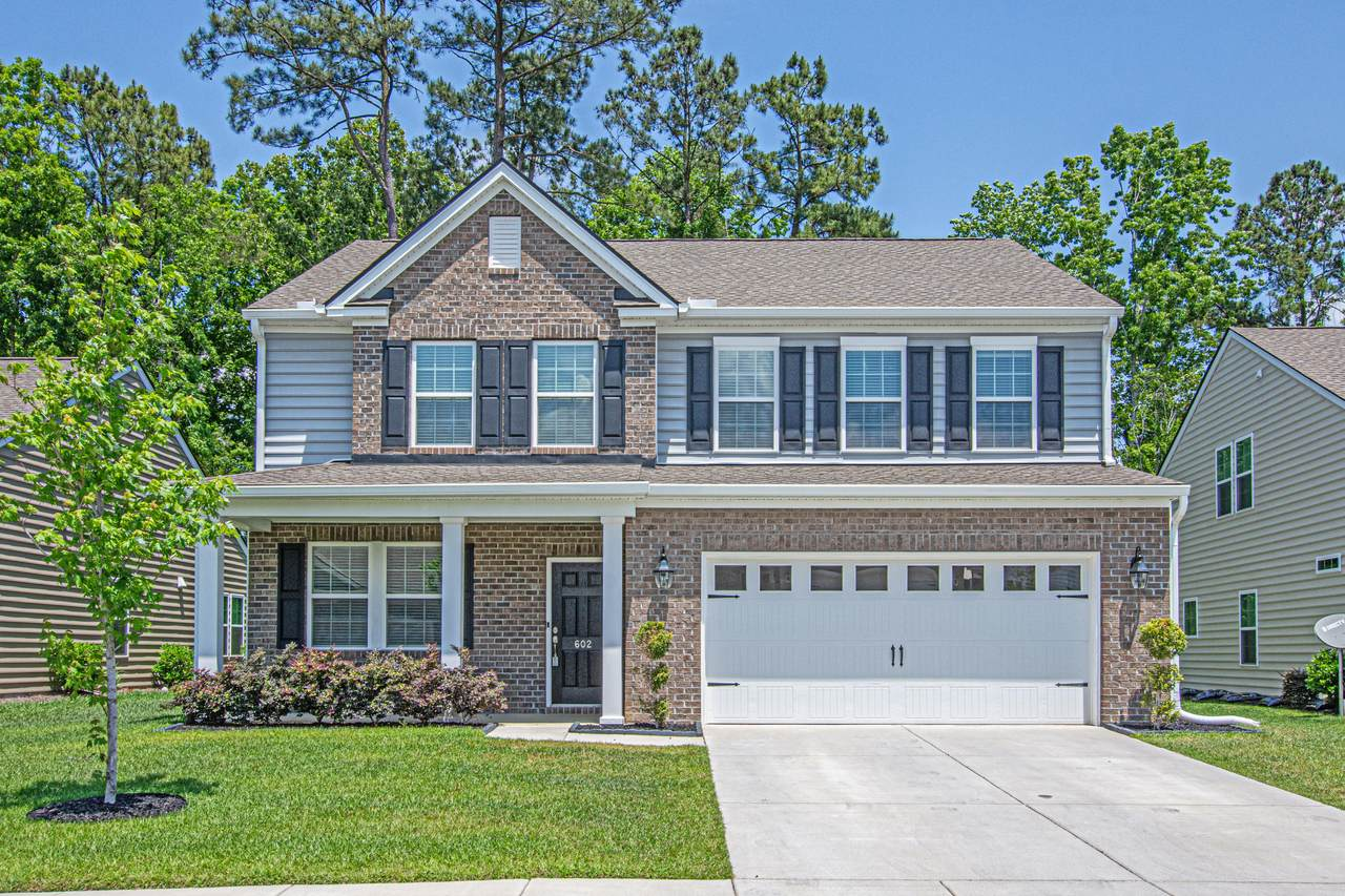 602 Mountain Laurel Circle - Photo 1