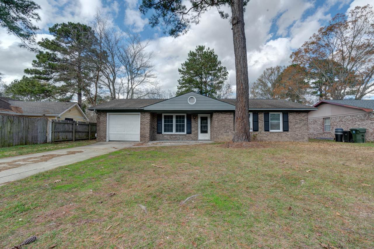 122 Mulberry Drive - Photo 1