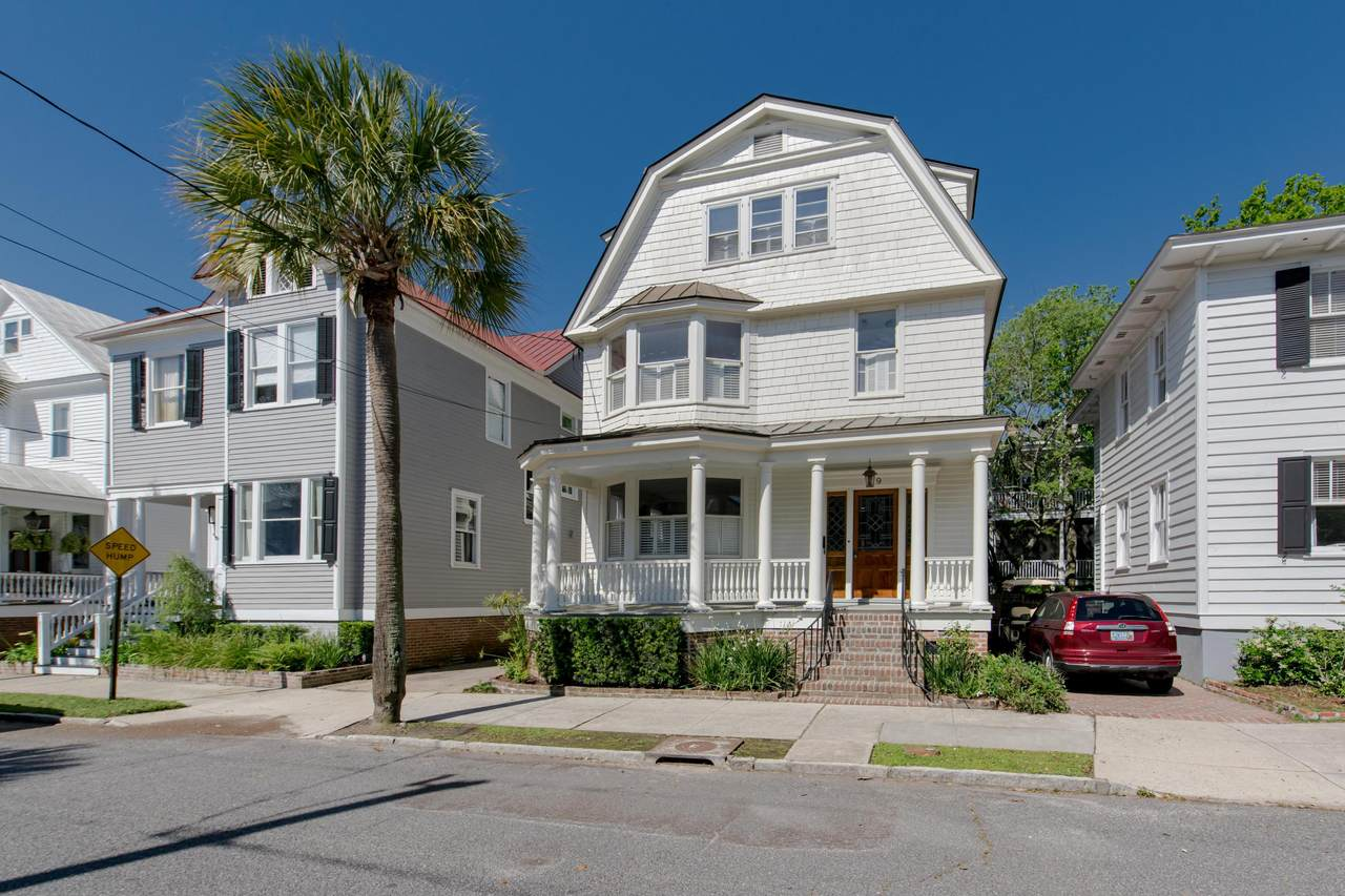 19 Colonial Street - Photo 1