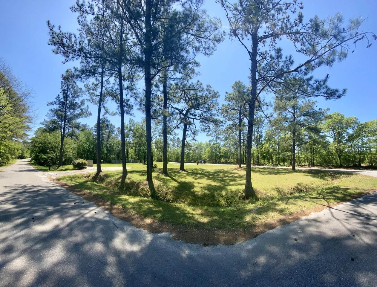 262 Lakewood Drive - Photo 1