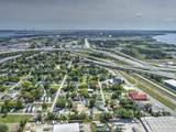 2050 Arbutus Avenue - Photo 10