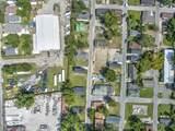 2050 Arbutus Avenue - Photo 12