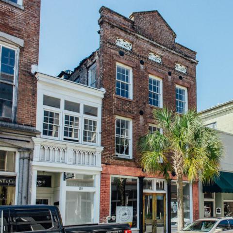 193 King Street, Charleston, SC 29401 (#17021171) :: The Cassina Group