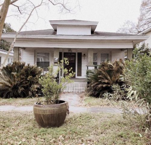 155 Darlington Avenue, Charleston, SC 29403 (#18000760) :: The Cassina Group