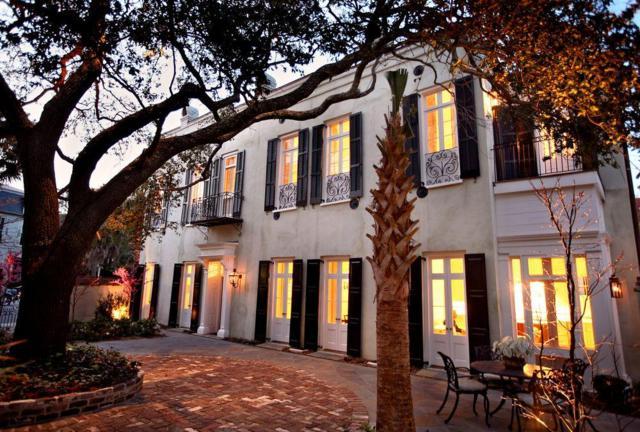 42 Meeting Street, Charleston, SC 29401 (#18003816) :: The Cassina Group