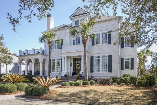 643 Island Park Drive, Charleston, SC 29492 (#18004477) :: The Cassina Group