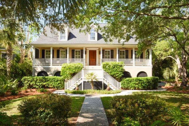 931 Pitt Street Street, Mount Pleasant, SC 29464 (#18012650) :: The Cassina Group