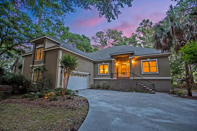 3074 Baywood Drive, Johns Island, SC 29455 (#18014030) :: The Cassina Group