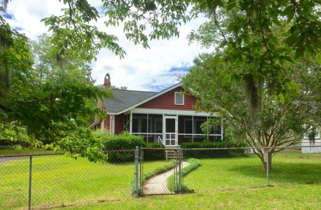 402 N Hickory Street, Summerville, SC 29483 (#18014886) :: The Cassina Group