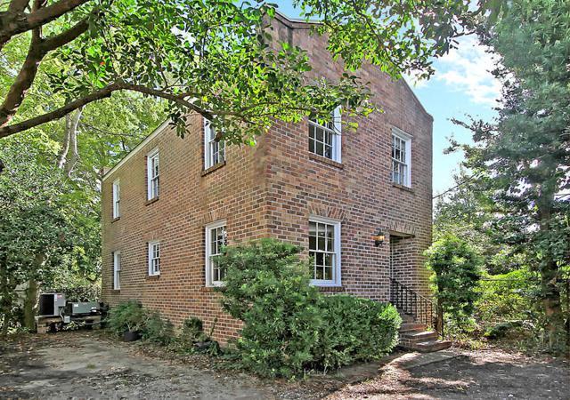10 Montagu Court, Charleston, SC 29401 (#18027750) :: The Cassina Group
