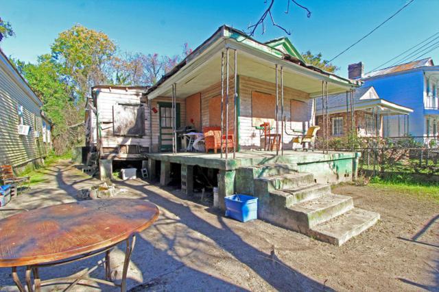 10 Poinsett Street, Charleston, SC 29403 (#18032800) :: The Cassina Group