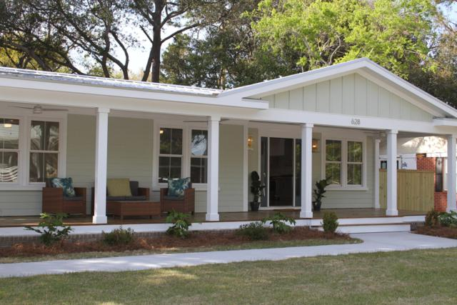 628 Coral Street, Mount Pleasant, SC 29464 (#19009735) :: The Cassina Group