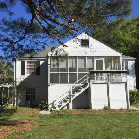 2401 Cameron Boulevard, Isle Of Palms, SC 29451 (#19010938) :: The Cassina Group