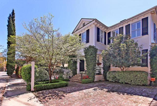 3 St Michaels Alley, Charleston, SC 29401 (#19011456) :: The Cassina Group
