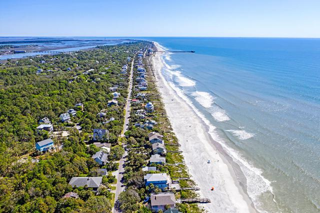 809 W Ashley Avenue, Folly Beach, SC 29439 (#19012079) :: The Cassina Group
