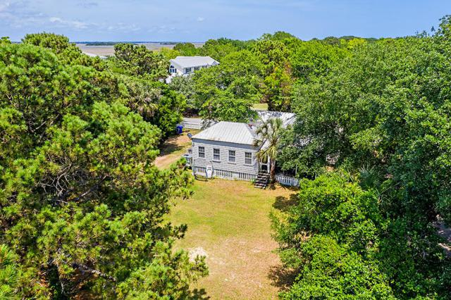 413 Station 23 Street, Sullivans Island, SC 29482 (#19015579) :: The Cassina Group