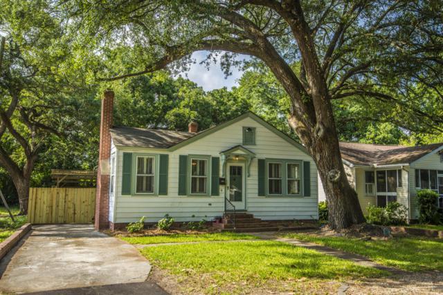 4 Live Oak Avenue, Charleston, SC 29407 (#19016364) :: The Cassina Group