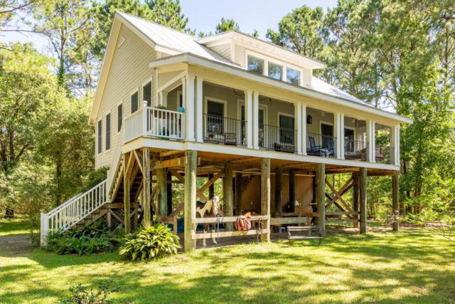 464 Pinckney Street, Mcclellanville, SC 29458 (#19018074) :: The Gregg Team