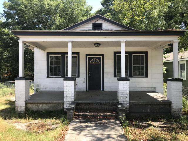 4516 Durant Avenue, North Charleston, SC 29405 (#19018321) :: The Cassina Group
