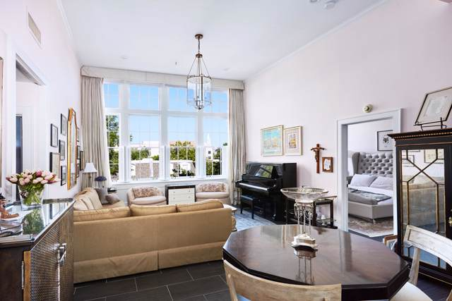 67 Legare Street #306, Charleston, SC 29401 (#19028891) :: The Cassina Group