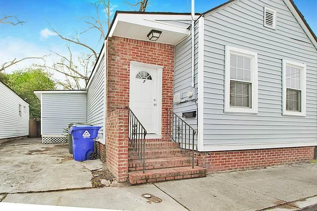 7 Carondolet Street, Charleston, SC 29403 (#20003349) :: The Cassina Group