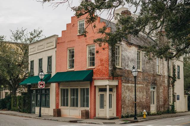 49 Archdale Street, Charleston, SC 29401 (#20004122) :: The Cassina Group
