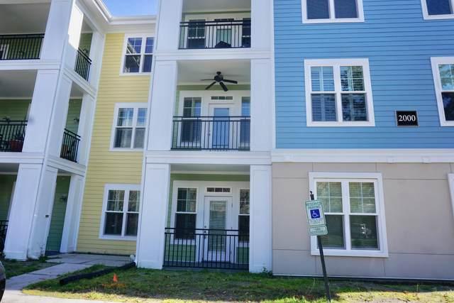 2000 Belle Isle Avenue #104, Mount Pleasant, SC 29464 (#20005510) :: The Cassina Group