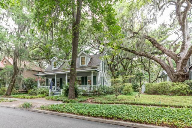 40 Newpoint Road, Beaufort, SC 29907 (#20014489) :: The Gregg Team