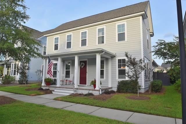 323 Oak Park Street, Summerville, SC 29486 (#20025657) :: The Cassina Group
