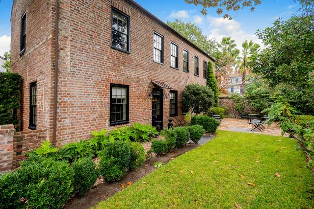 10 Bedons Alley, Charleston, SC 29401 (#20030784) :: The Cassina Group
