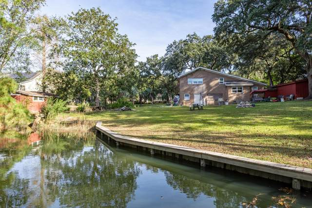 313 Hobcaw Drive, Mount Pleasant, SC 29464 (#20032431) :: The Gregg Team
