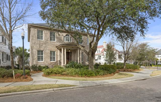 135 King George Street, Charleston, SC 29492 (#21001209) :: The Cassina Group