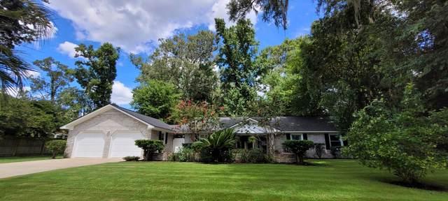 202 Seven Oaks Lane, Summerville, SC 29485 (#21022356) :: The Cassina Group
