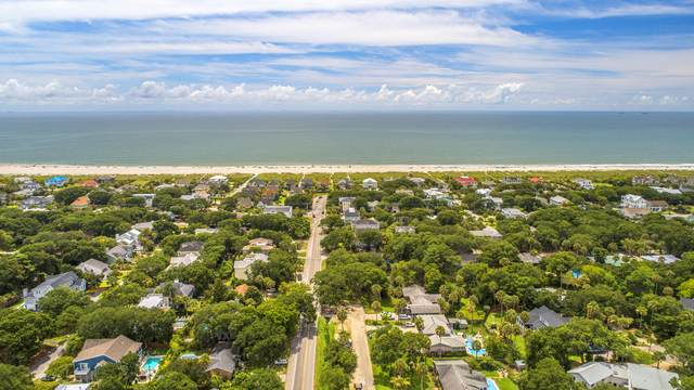 32 N 41st Avenue, Isle Of Palms, SC 29451 (#21022803) :: The Cassina Group