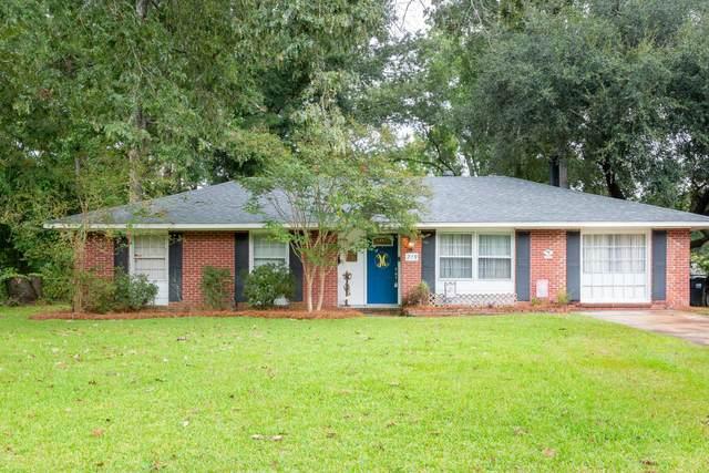219 Sprucewood Drive, Summerville, SC 29485 (#21025837) :: Flanagan Home Team