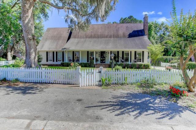 979 Harbortowne Road, Charleston, SC 29412 (#17014161) :: The Cassina Group