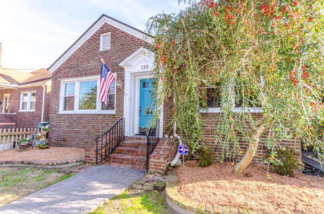 229 Grove Street, Charleston, SC 29403 (#18003250) :: The Cassina Group