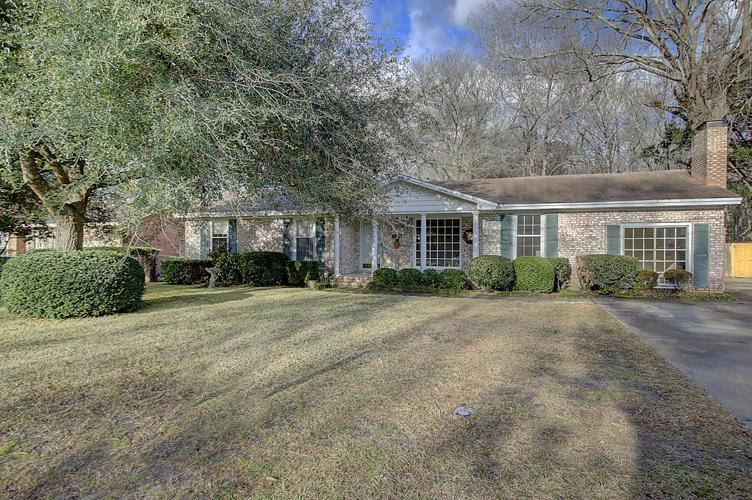 8406 Delhi Road, North Charleston, SC 29406 (#17003963) :: The Cassina Group