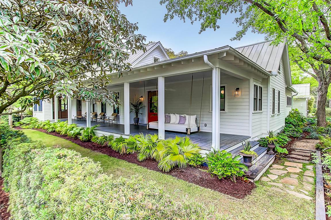 422 Royall Avenue, Mount Pleasant, SC 29464 (#17010305) :: The Cassina Group