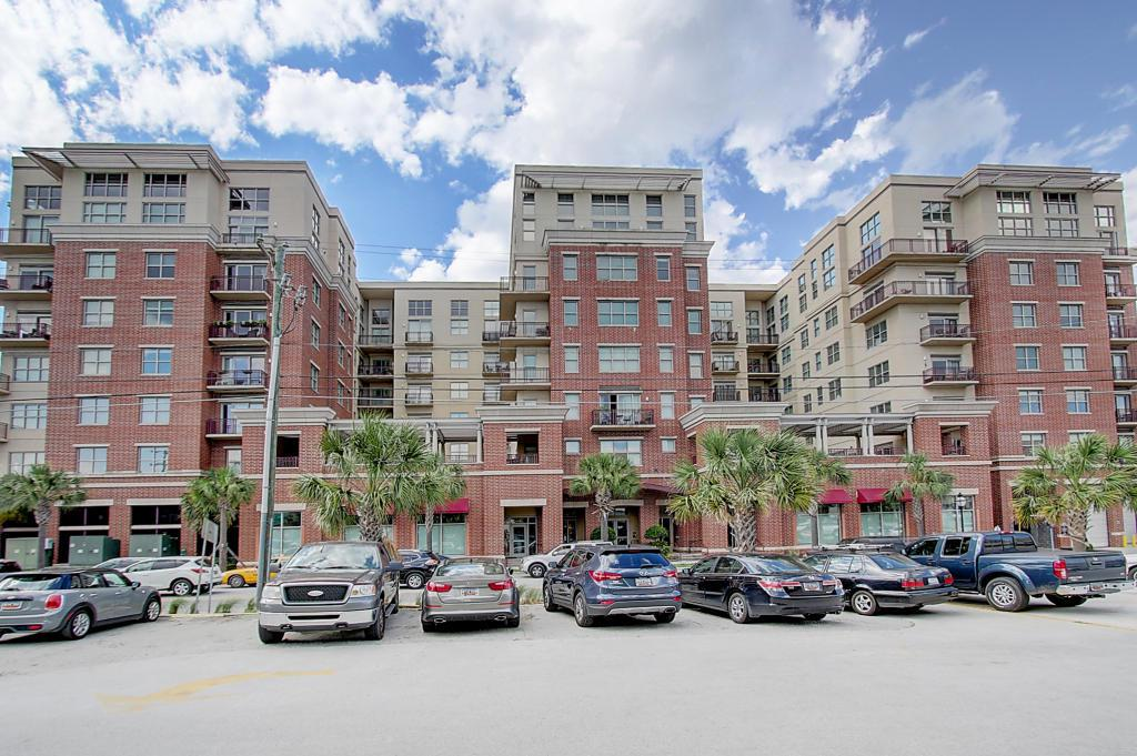 150 Bee Street #808, Charleston, SC 29401 (#17011061) :: The Cassina Group