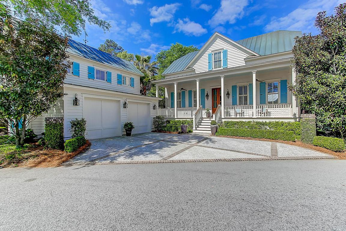 19 Hopetown Road, Mount Pleasant, SC 29464 (#17011114) :: The Cassina Group