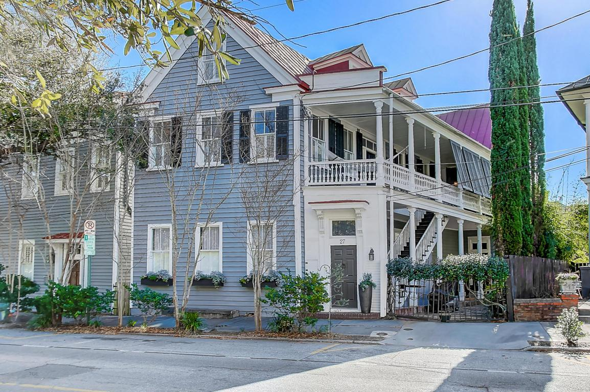 27 Chapel Street, Charleston, SC 29403 (#17012214) :: The Cassina Group