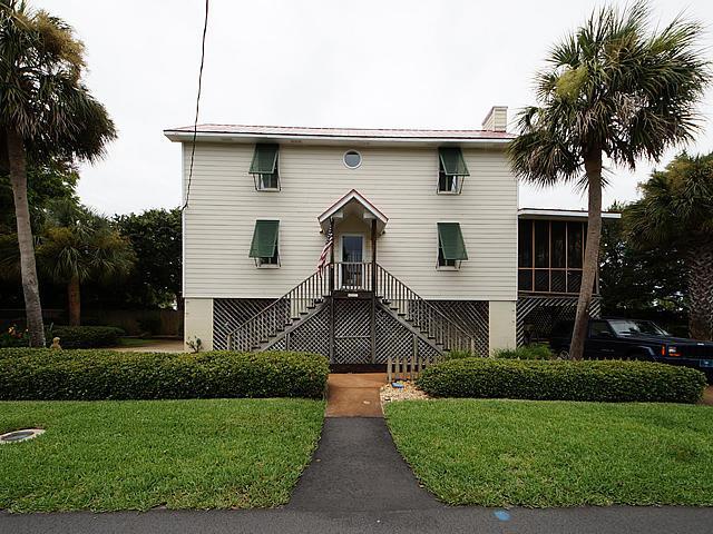 403 Station 13 Street, Sullivans Island, SC 29482 (#17020369) :: The Cassina Group