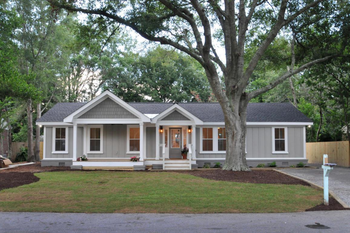 1470 Seminole Street, Mount Pleasant, SC 29464 (#17021041) :: The Cassina Group