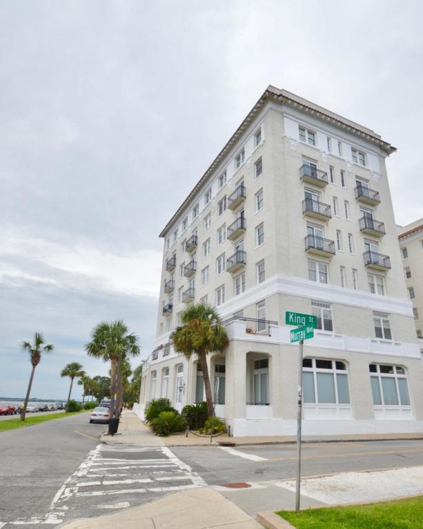 1 King Street #601, Charleston, SC 29401 (#17024452) :: The Cassina Group