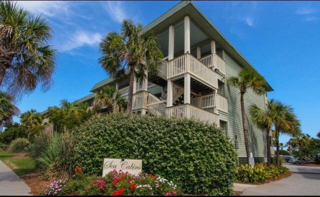 1300 Ocean Boulevard #345, Isle Of Palms, SC 29451 (#17029859) :: The Cassina Group