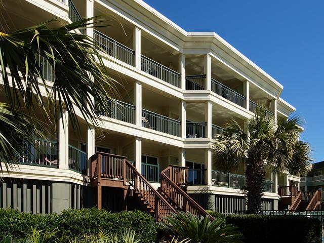 1140 Ocean Boulevard #106, Isle Of Palms, SC 29451 (#17030078) :: The Cassina Group